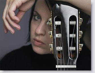 Sängerin - Gitarristin